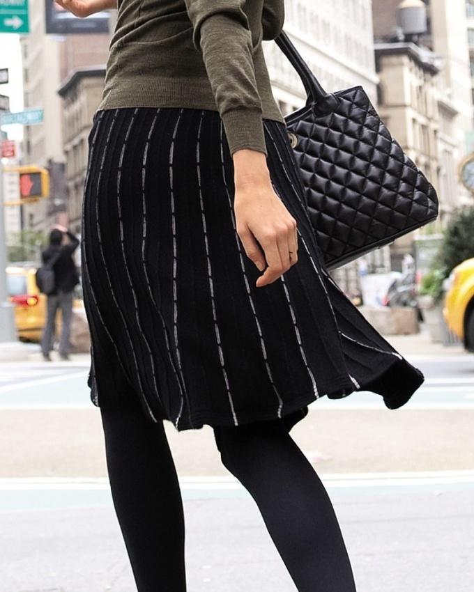 Как вязать женскую юбку спицами