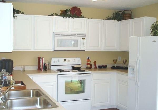 Как выбрать цвет обоев на кухню