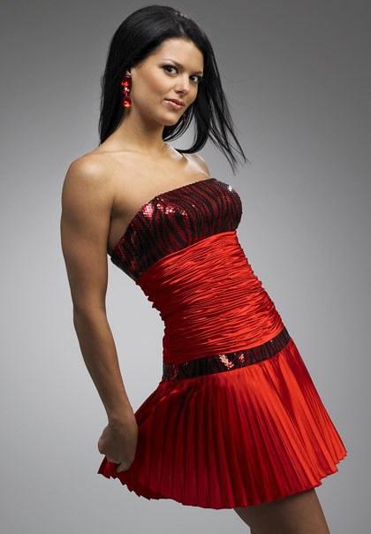 Как носить короткое платье