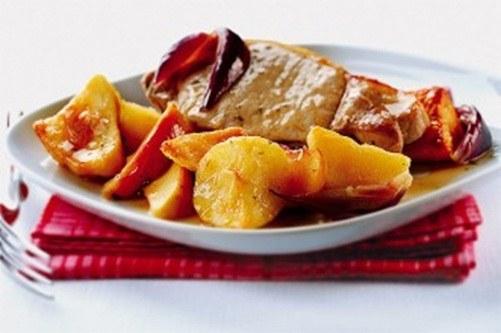 Как запечь свинину с картошкой в духовке