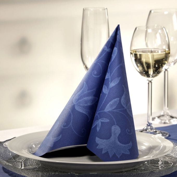 бумажная салфетка в виде веера - роскошное украшение стола