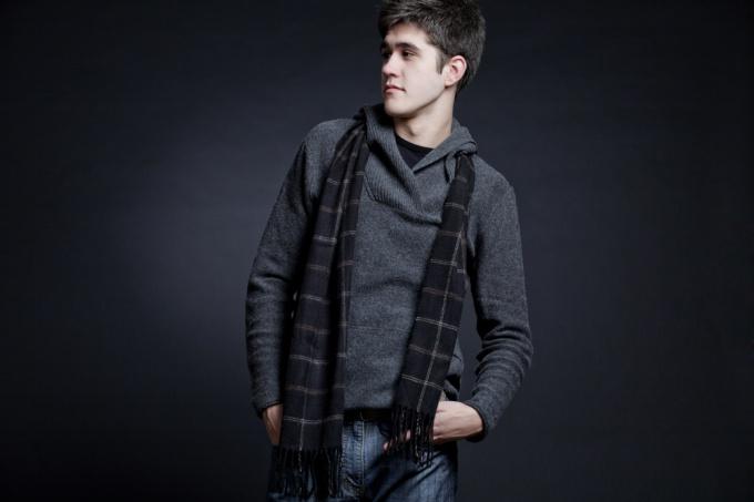 В образе модного парня все должно быть прекрасно и внешность и внутренний мир