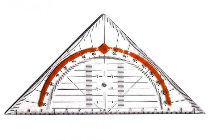 Как обнаружить гипотенузу треугольника