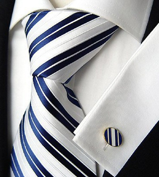 Правильно скроенный костюм способен полностью преобразить владельца