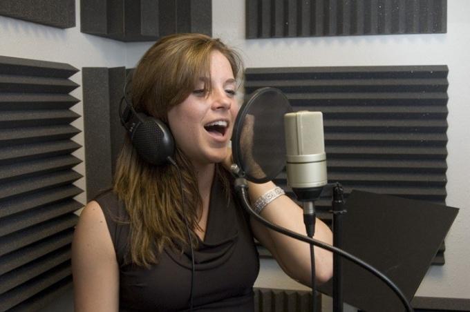 Звук Р появляется у детей в речи годам к 5