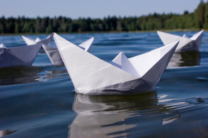 Мультик бумажки как сделать кораблик