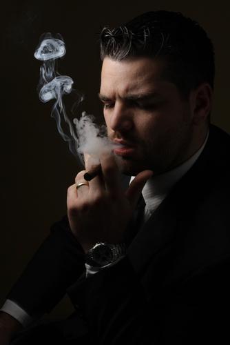 Как пускать дымовые кольца