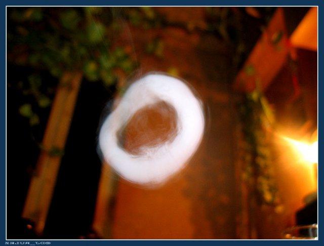 Как пускать кольца дыма