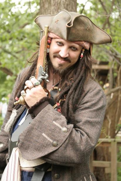 Сделайте из своего ребенка настоящего пирата. Он это оценит