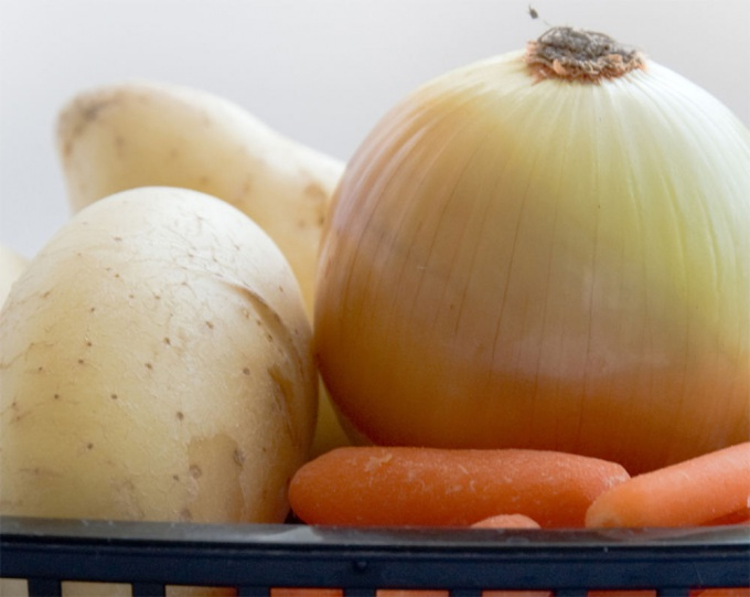 Morkov, kartofel i luk