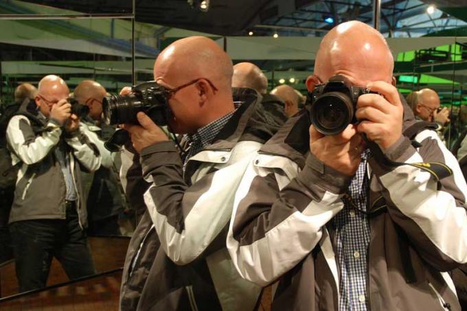 Научиться фотографировать зеркальной камерой под силу каждому
