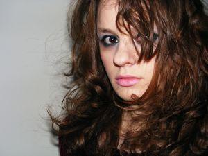 Иногда жаль остригать длинные волосы, а посмотреть на себя с короткой прической хочется