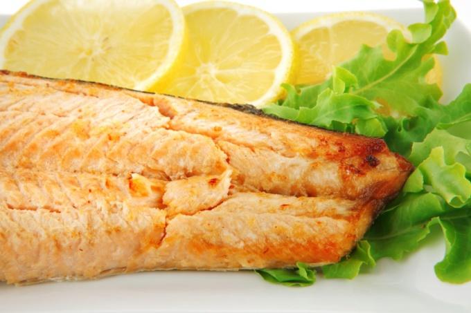 Как запечь рыбу в духовке