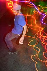 Как танцевать под клубную музыку