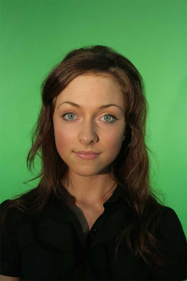 Фото девушки, чье лицо мы будем вписывать в картину