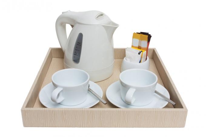 Как убрать накипь на чайнике