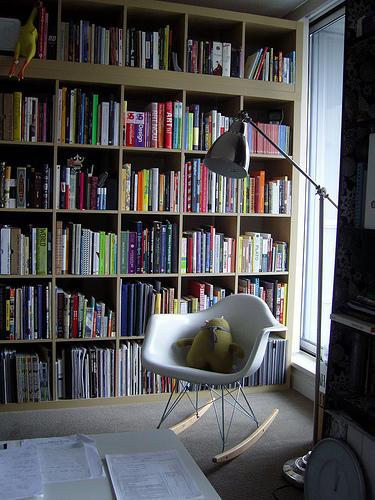 В библиотеке обязательно должно быть удобное место для чтения