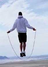 Скакалка - не только полезно для сжигания жира, но помогает поддерживать все мышцы в тонусе