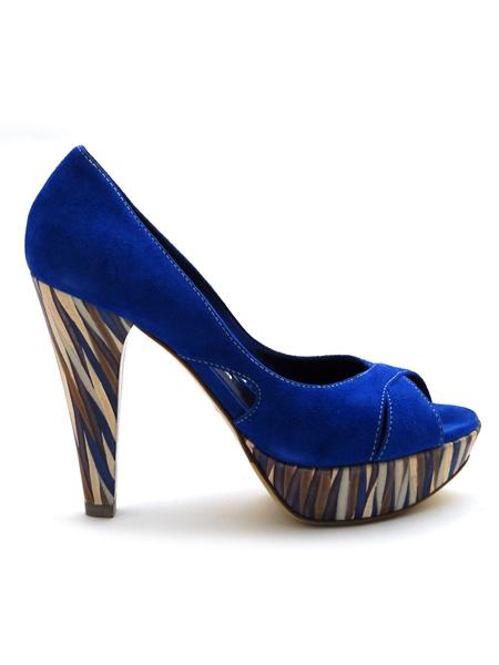 разносить туфли можно, только если они сделаны из натуральной кожи или замши