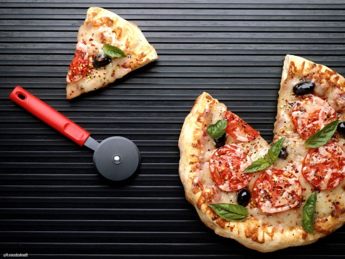 Традиционная итальянская пицца не обойдется без маслин.