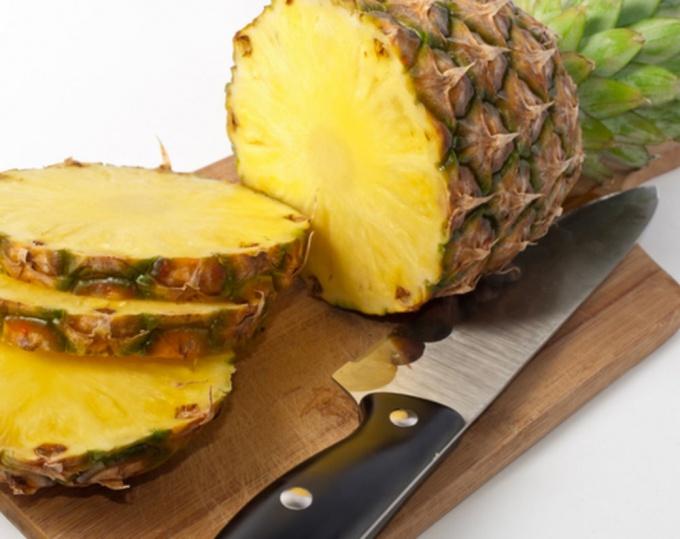 Мякоть ананаса на 86 % состоит из воды.