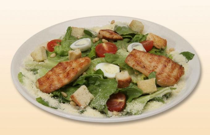Салат «Цезарь» - главный салат современной российской ресторанной кухни