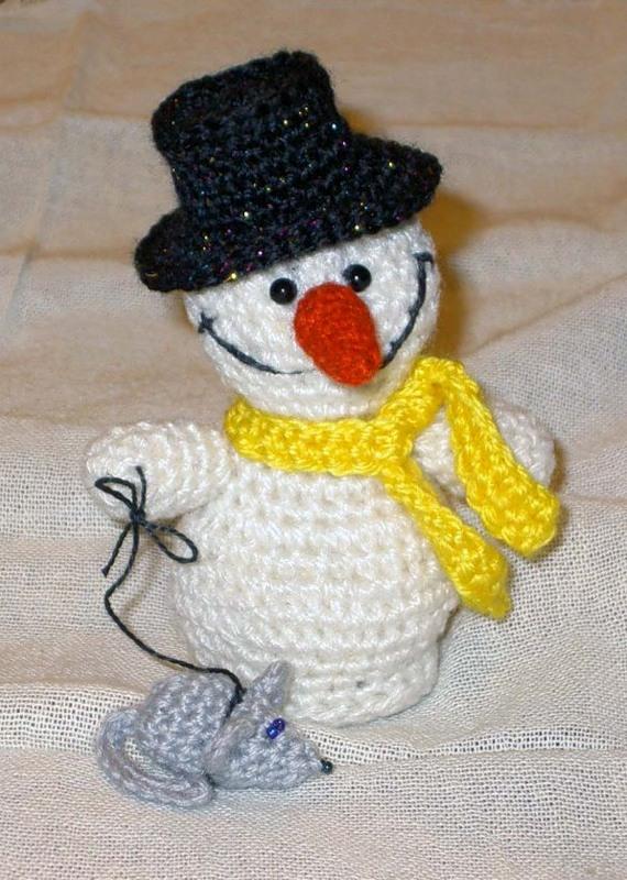 Как связать снеговика