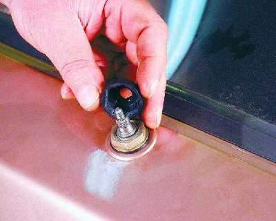 Как снять стеклоочистители