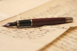 Главные орудия писателя всегда при нем