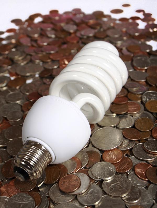 Экономия электроэнергии с помощью энергосберегающей лампочки