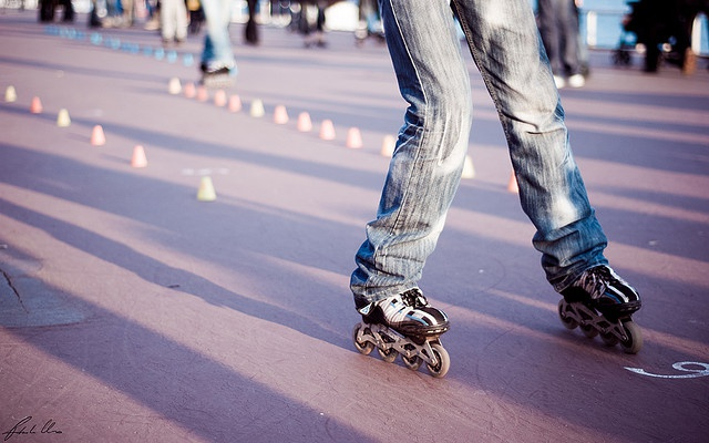 Если умеете кататься на ледовых коньках, то на роликовых научитесь в два счета