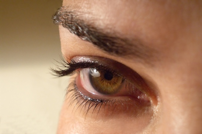 Dark circles under the eyes can overshadow the light look
