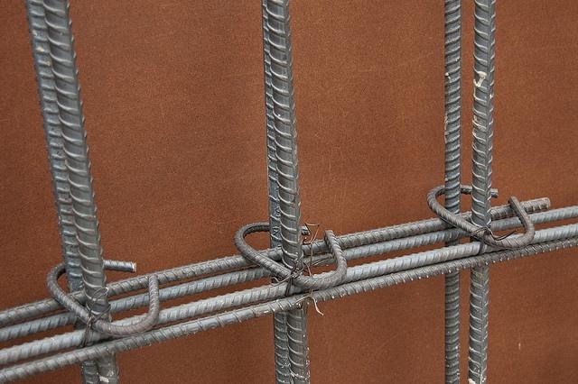 Укрепив стену вы повысите ее теплоизоляционные свойства