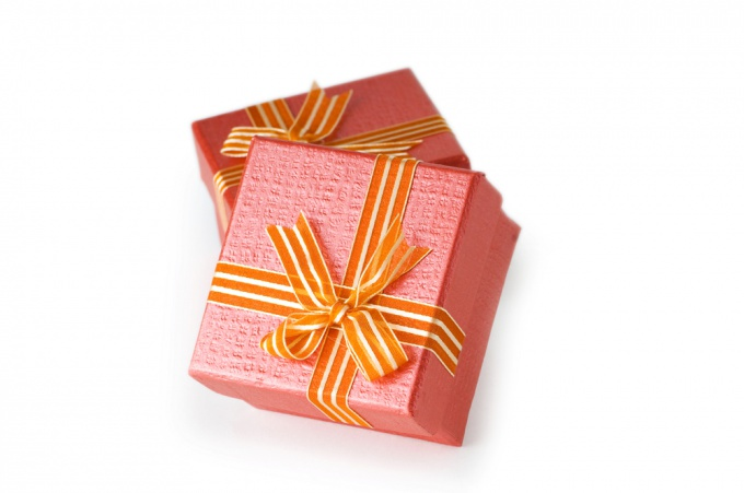 How to make gifts on birthday with your own hands
