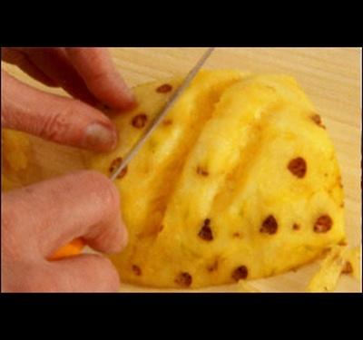 Как нарезать ананас
