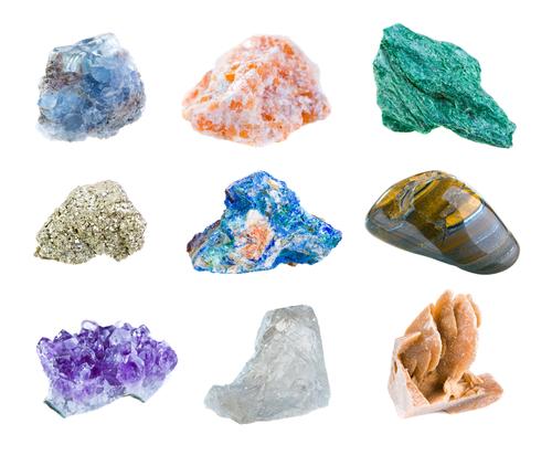 Учитесь отличать настоящие драгоценные камни от поддельных