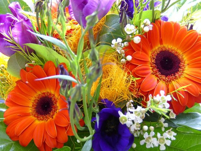 To make a beautiful bouquet - an art!