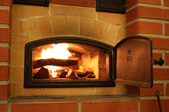 Лучше хорошей печки дома может быть только печка, выложенная своими руками