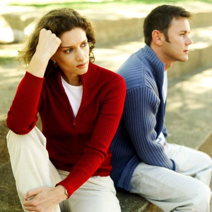 Развод - это тяжело, но в случае, когда ваши с мужем взгляды на развод не совпадают - это еще тяжелей