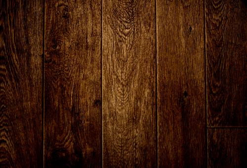 Искусственно состаренная деревянная поверхность  поможет выдержать неповторимый стиль помещения