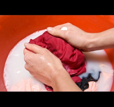 How to wash the blood