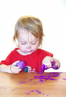 Пятна краски могут сильно осложнить жизнь современной хозяйки