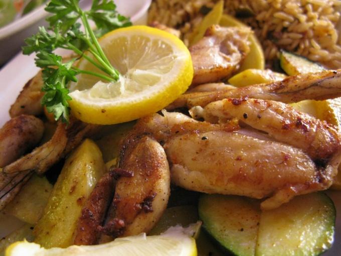 Лягушачьи лапки – одно из традиционных блюд классической французской кухни