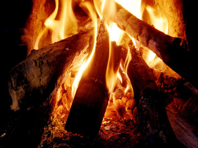 Если огонь горит ровно без треска и гудения, значит вы сделали все правильно