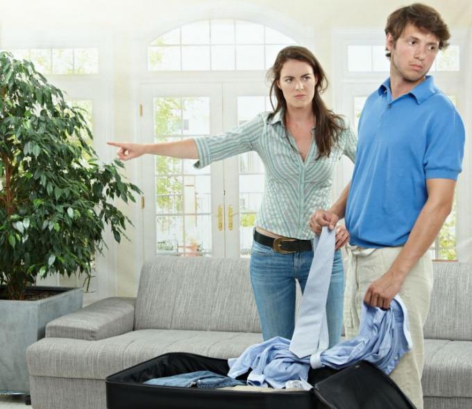В чем бы ни нужно было вам убеждать мужа, попытайтесь всегда оставаться терпеливой и ласковой