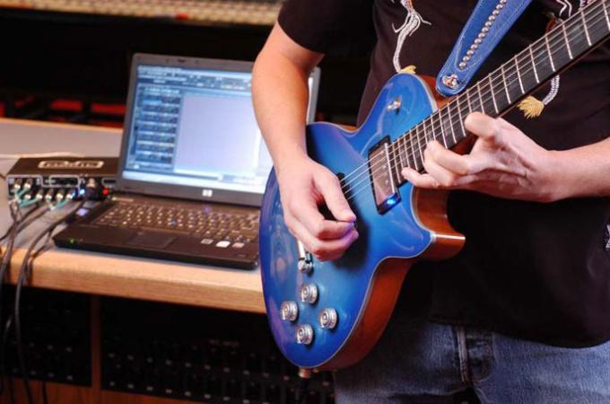 И начинающему гитаристу, и матерому профессионалу всегда хочется как-то сохранить свои композиции