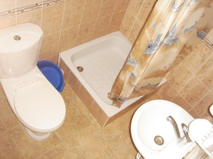 Все трубы в ванной комнате надо спрятать от посторонних глаз