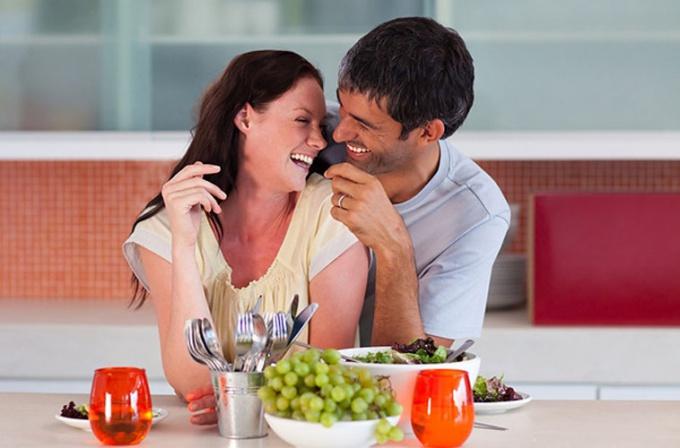 Сделать своего мужчину счастливым может каждая женщина.