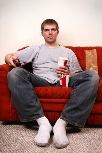 Как заставить мужчину слезть с дивана