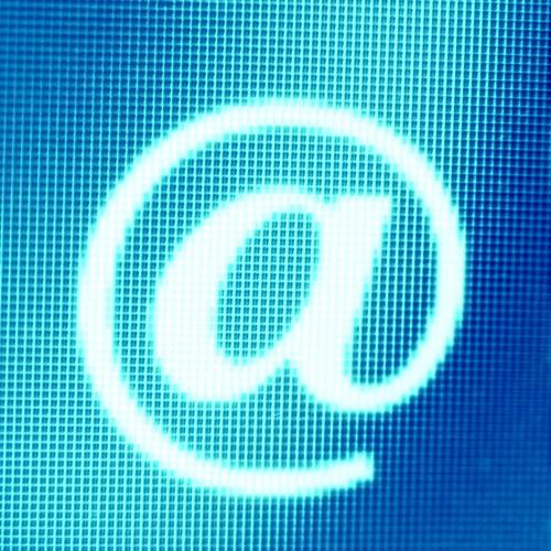Всякий желающий, подключившись к сети интернет, может сотворить бесконечное число бесплатных почтовых ящиков